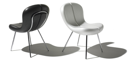 snap chair  in black and white